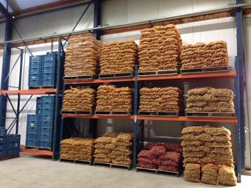 De aardappelen worden geleverd in folie of in een net.